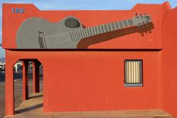 guitar, mural, bob diven, artist, muralist, hubbards music, las cruces, new mexico, giant guitar, painting, bobdiven.com